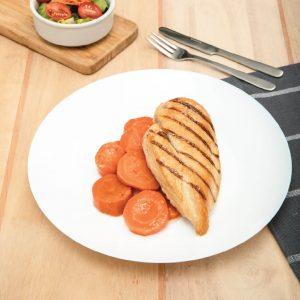 Pechuga de pollo con zanahorias al vapor