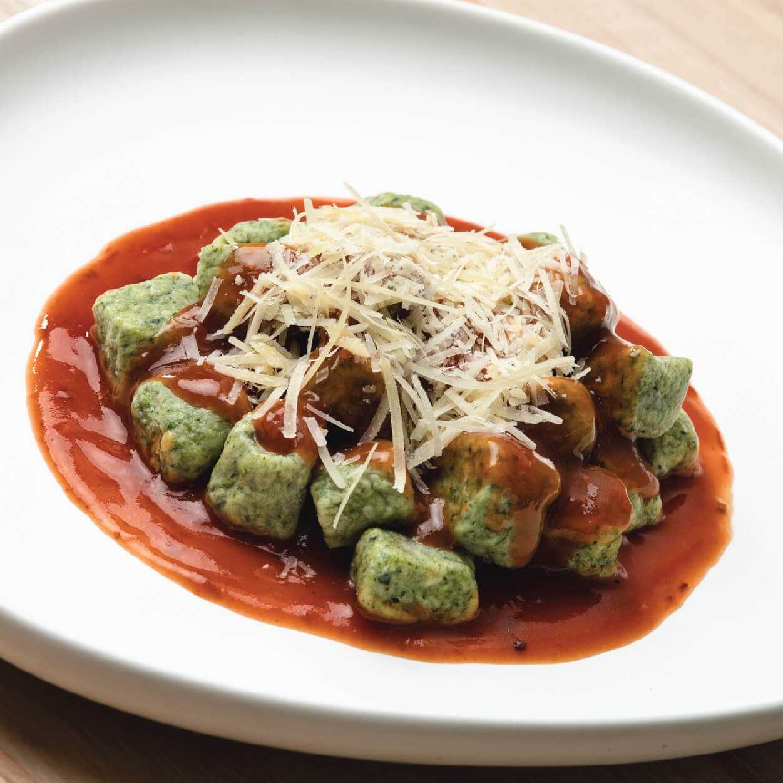 Malfatti de espinaca con salsa pomodoro